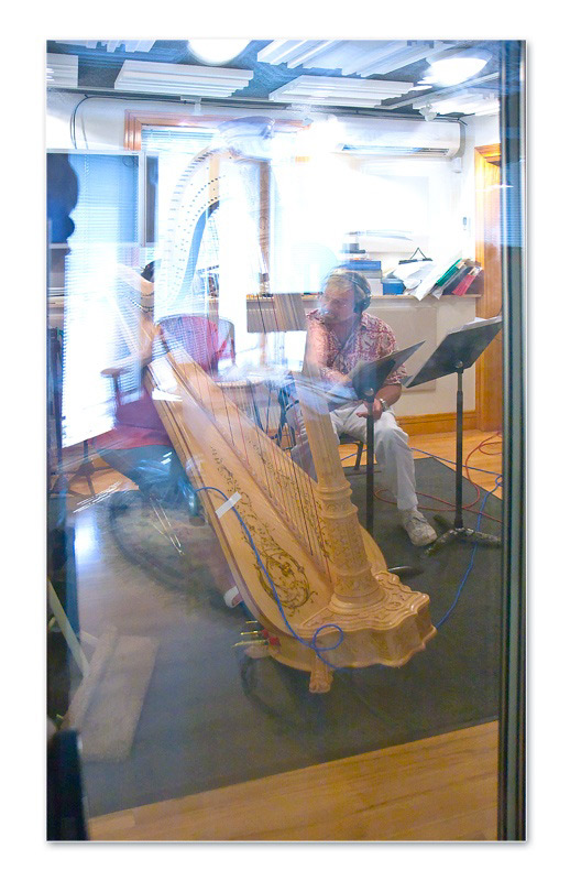 edd-kalehoff-with-harp